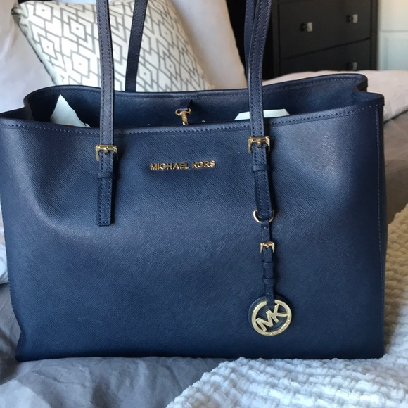 34a6fcd7f7f376 Michael Kors Bags | Jet Set Travel East West Tote Navy | Poshmark